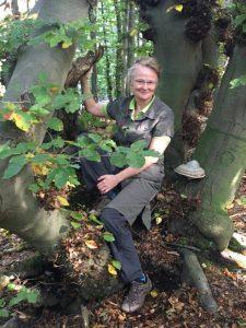 Karin im Baum